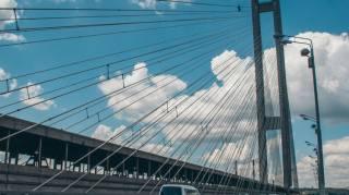 В Киеве начал разваливаться Южный мост