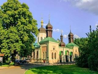 В Киеве сняли карантин с трех монастырей УПЦ