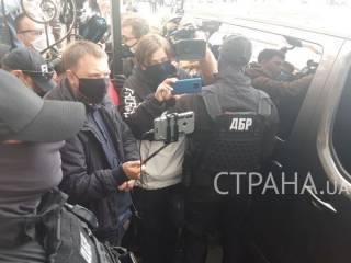 Силовики взяли штурмом музей, в котором Порошенко выставил картины великих русских мастеров