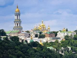 В Киево-Печерской лавре на Вознесение Господне верующие будут молиться в четырех храмах