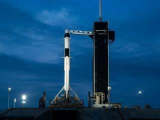 SpaceX отправляет в космос корабль Crew Dragon с астронавтами: прямая трансляция