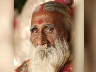 В Индии умер йог, который не пил и не ел восемьдесят лет