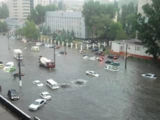 В Одессе потоп. Машины буквально плавают по городу