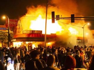 В США уже пятые сутки не утихают массовые погромы и беспорядки