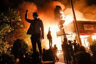Трамп, маски и погромы