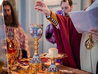 Запорожский митрополит объяснил свою позицию относительно споров по поводу возможности передачи COVID -19 через Причастие