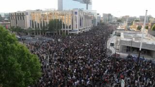 В Париже 20 тыс. человек протестовали против полицейского произвола. В Москве — только 20