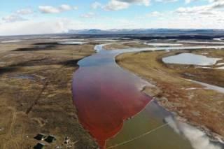 20 тыс. тонн нефти вылилось в сибирскую реку. Объявлена чрезвычайная ситуация федерального масштаба