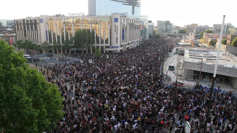 Акция протеста против полицейского произвола в Париже