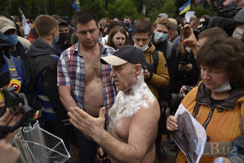 Юрий Ляшенко, который пытался совершить поджог под стенами Верховной Рады Украины