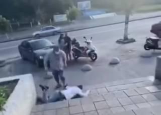 Смешная драка посетителей АТБ в Киевской области попала на видео
