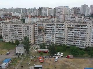 Момент взрыва в многоэтажке на Позняках попал на видео
