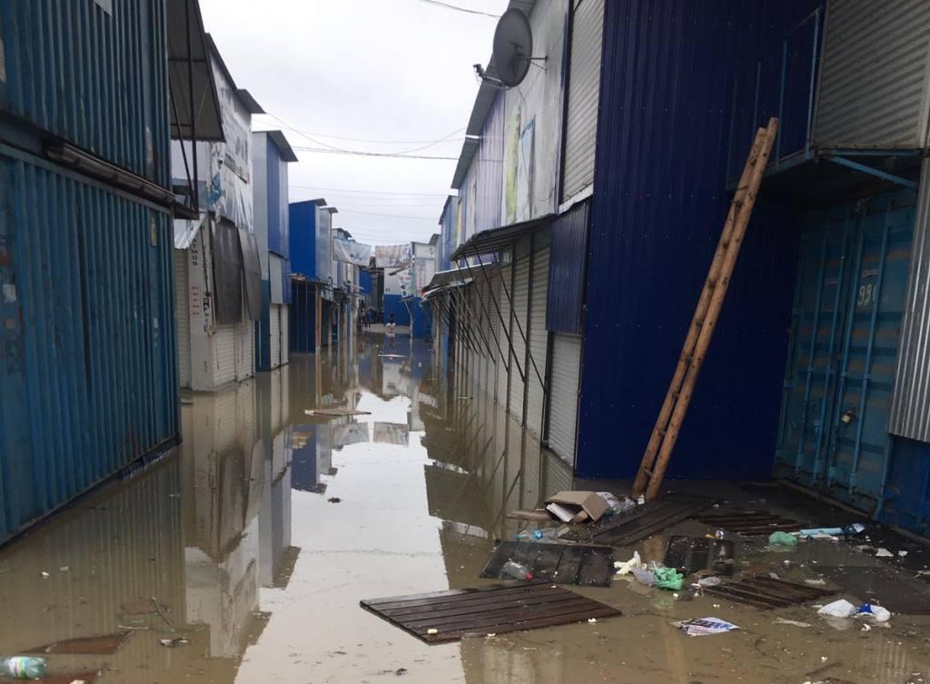 затопленный рынок в Черновцах
