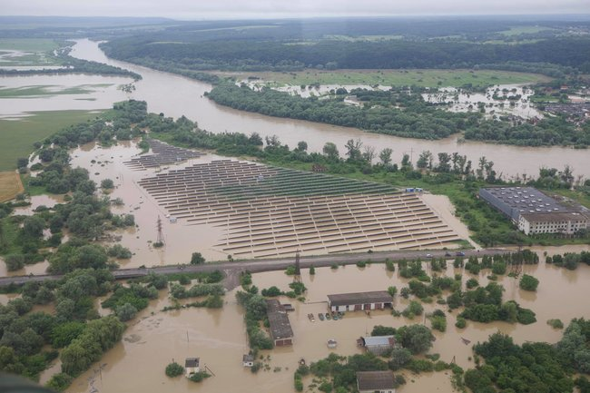 паводок разрушил дороги на Ивано-Франковщине