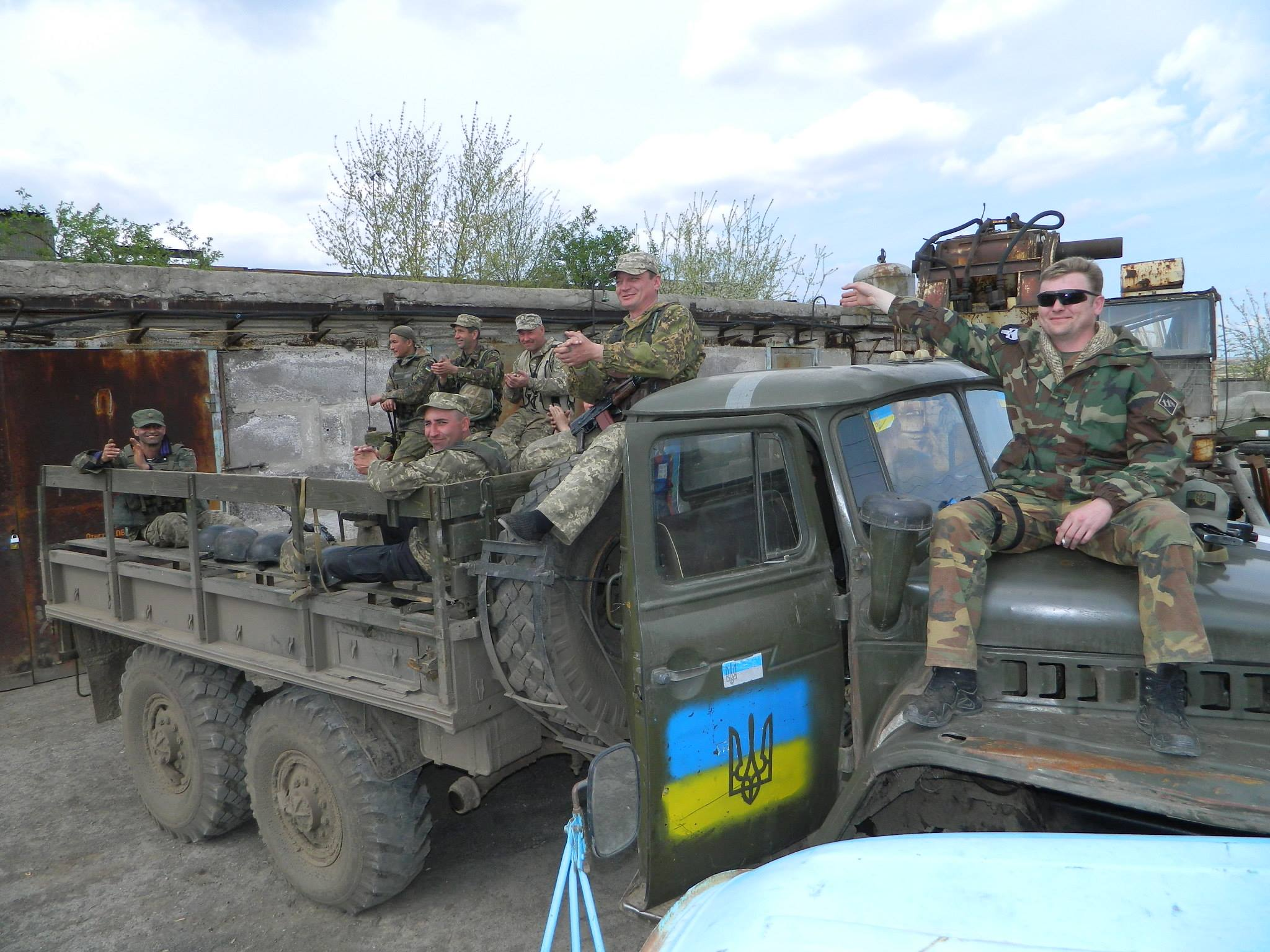 Бойцы 54-й отдельной механизированной бригады