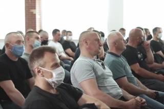 Украинская оппозиция создает силы самообороны для противостояния радикалам