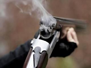 На Харьковщине пьяный мужчина стрелял по группе отдыхающих, ‒ есть жертвы