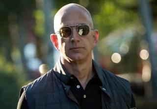 Неизвестные пригрозили отрезать голову Джеффу Безосу: сотрудников Amazon уже начали «отстреливать»