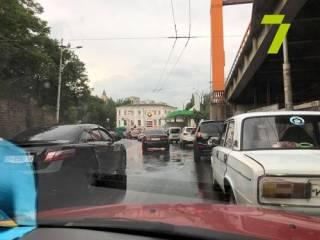 Кратковременный дождь вызвал настоящее наводнение в Одессе