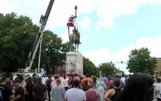 В США снесли памятник опальному генералу конфедератов