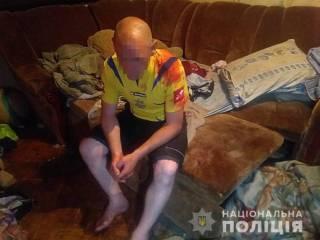 В Киеве на Лесном массиве крестный избил маленького мальчика и выбросил в окно. Спасти ребенка не удалось