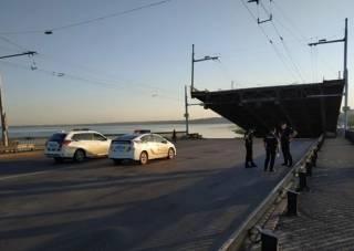 Появилось видео, как в Николаеве самопроизвольно поднялся мост