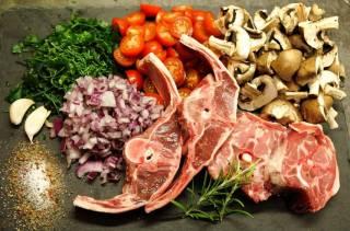 Блюда из баранины на мангале: каковы секреты приготовления сочного мяса?