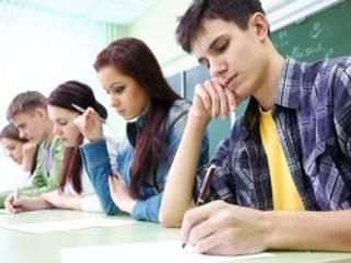 В Украине появилась схема зарабатывания денег на выпускниках