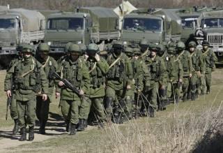 Украина готовится к вторжению российских войск из Крыма. У границы стоит многотысячная армия