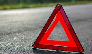 Смертельное ДТП в Львовской области: автомобиль протаранил столб, дерево и забор