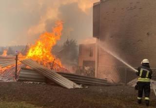 Стали известны жуткие подробности гигантского пожара в Луганской области