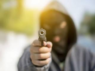 На киевских Позняках две компании устроили разборки со стрельбой