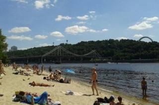 Купаться на киевских пляжах опасно для здоровья