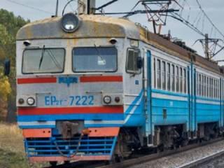 На Харьковщине пассажиры, начхавшие на карантин, на час задержали электричку