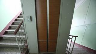В Ивано-Франковске с пятого этажа упал лифт с людьми