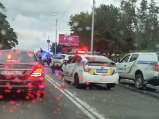 Под Киевом «пьяный» Mercedes попал в сокрушительное ДТП ‒ трое погибших