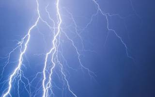 Синоптики предупредили украинцев о прохладной и мокрой погоде