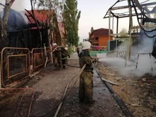 Под Одессой на популярном курорте горели сразу две базы отдыха