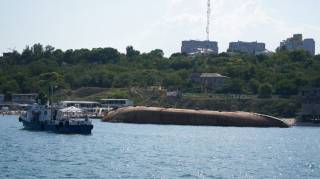 В Одессе из затонувшего танкера произошел очередной масштабный разлив топлива