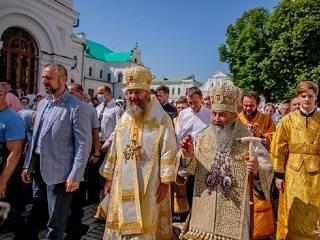 «Дистанции между душой и Господом нет»: верующие УПЦ отметили День Крещения Руси