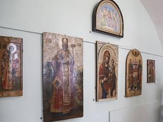 В Киево-Печерской лавре открыли выставку старинных икон «Небесные покровители»
