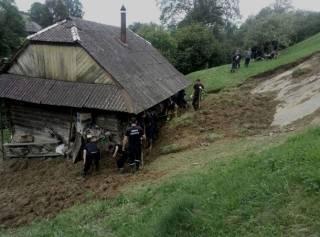 На несколько областей Украины обрушилась разрушительная непогода