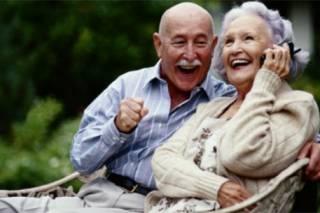 Японцы поведали, почему пожилым людям очень важно смеяться каждый день