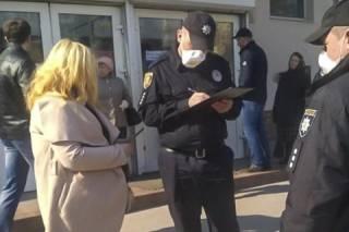 Доказано судом: на период карантина все украинцы должны носить с собой документы