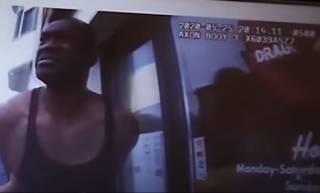 Появилось новое жестокое видео убийства Джорджа Флойда (18+)