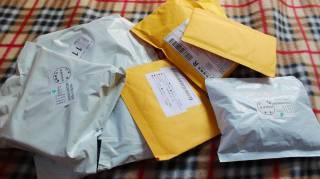 Ношенные носки и медицинские маски: американцев пугают загадочные посылки из Китая