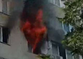 Еще один крупный пожар в Киеве: пострадали люди