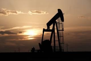 Нефть продолжает расти в цене: названы причины