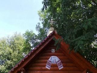 На Закарпатье активист ПЦУ избил пожилую верующую УПЦ прямо во дворе храма