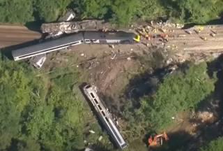 Опубликовано видео с места крушения поезда в Шотландии
